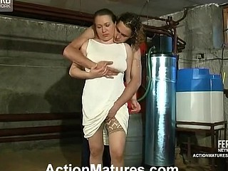 Sultry older chick craving for frantic dong-break for her well-hung worker
