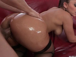 Liza Del Sierra teases her agreeable french buns which just goes to show the French have the most astounding anal treats on the globe. Erik stops in with some oil and gets her butt all wet previous to plunging his hard dick unfathomable inside. Liza finishes with the most good treat of all: an anal creampie!